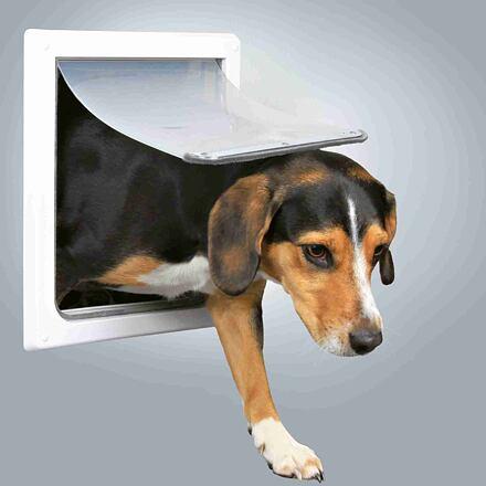 Trixie Průchozí dvířka pro psy S-M dvoucestné 30 x 36 cm